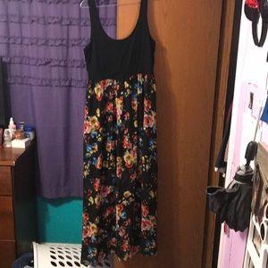 I am selling a black dress